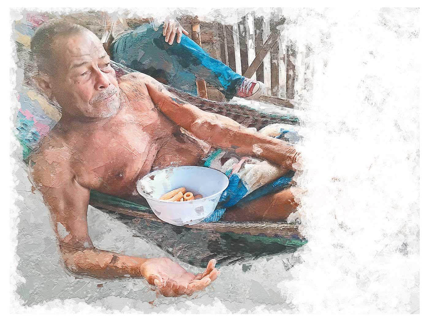 Fotografía de señor en una hamaca