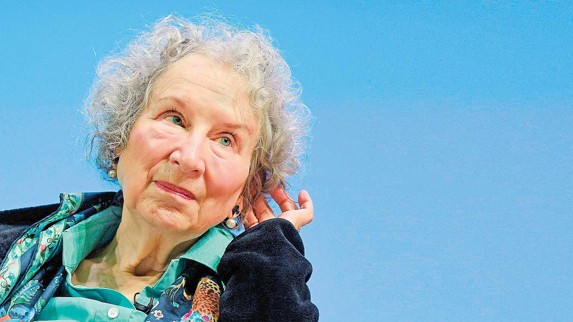 Margaret Atwood, Escritora canadiense